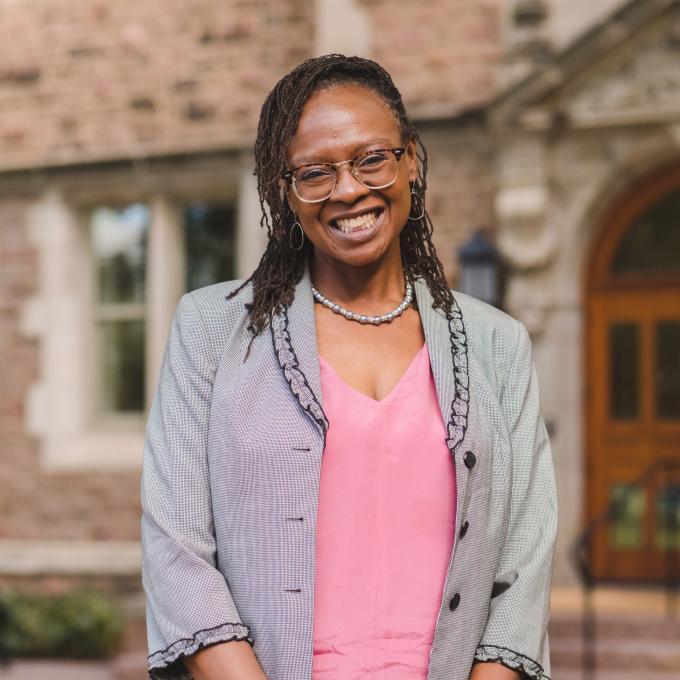 Headshot of Wilmetta Toliver-Diallo